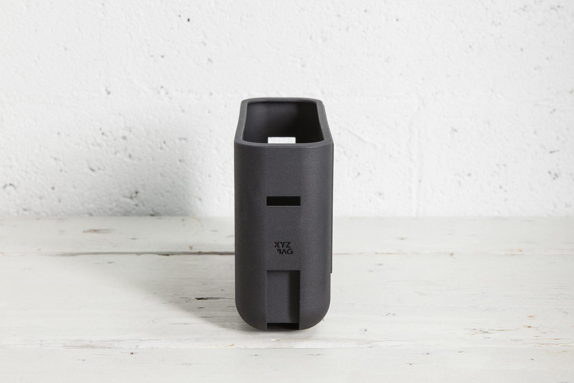XYXBag. 3D handbags designed as unique items, through a co-created digital sartorial manufacturing process.