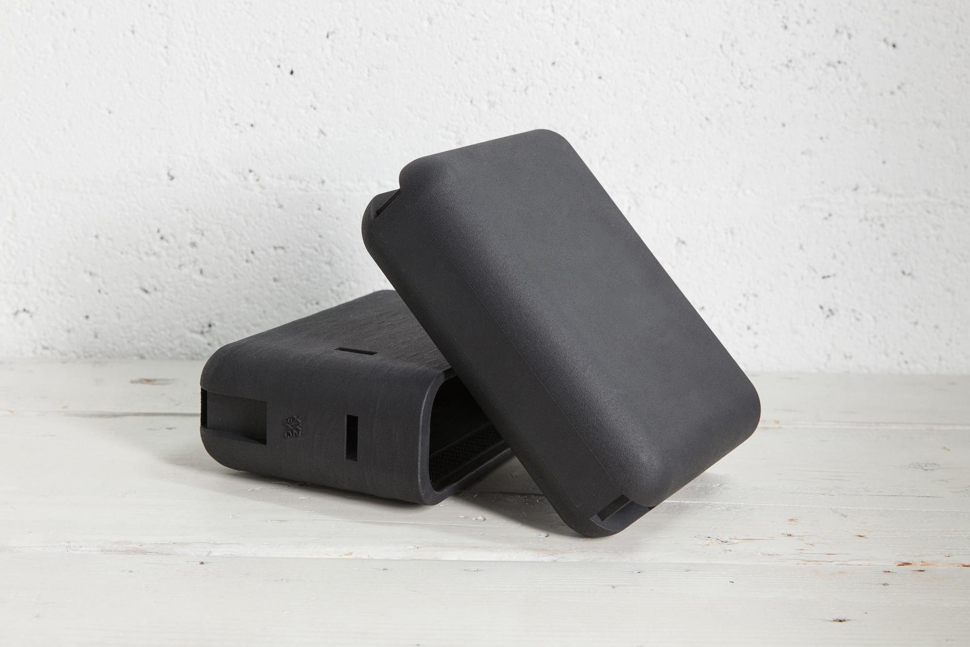 XYZBag. 3D handbags designed as unique items, through a co-created digital sartorial manufacturing process.