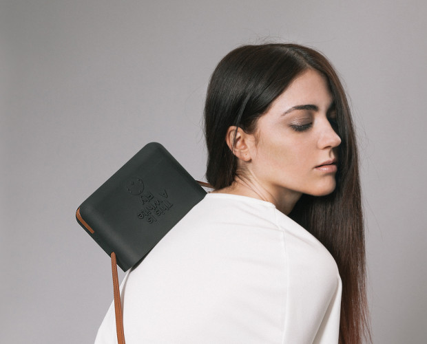 XYZBag. A cross body bag. 3D handbag designed as unique items, through a co-created digital sartorial manufacturing process.