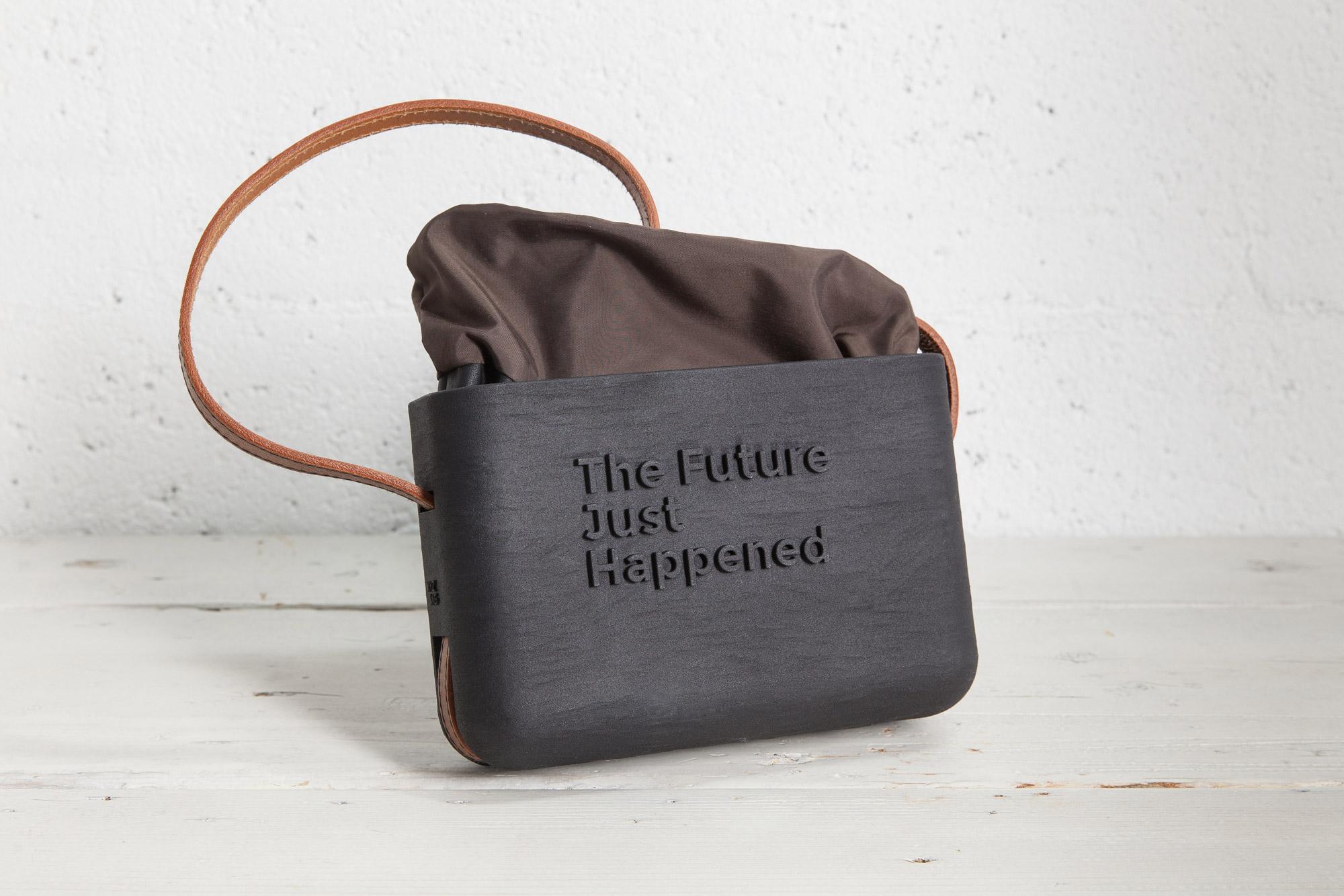 XYZBag. Dada 2, 3D handbag designed as unique item, through a co-created digital sartorial manufacturing process